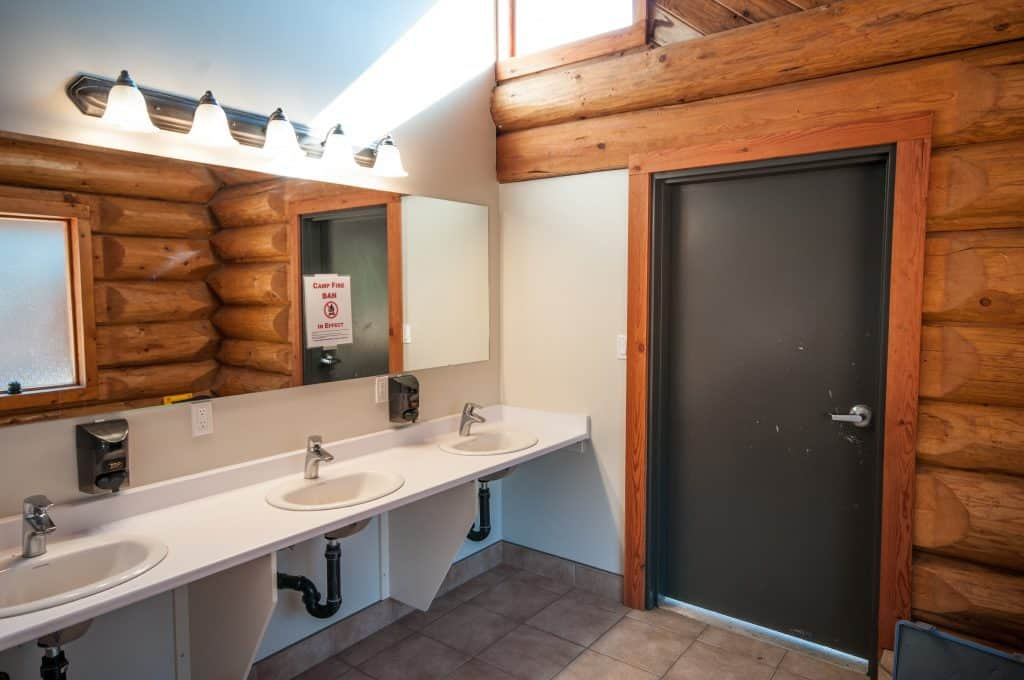 Cottonwood Cove Resort - Amenities Bathroom