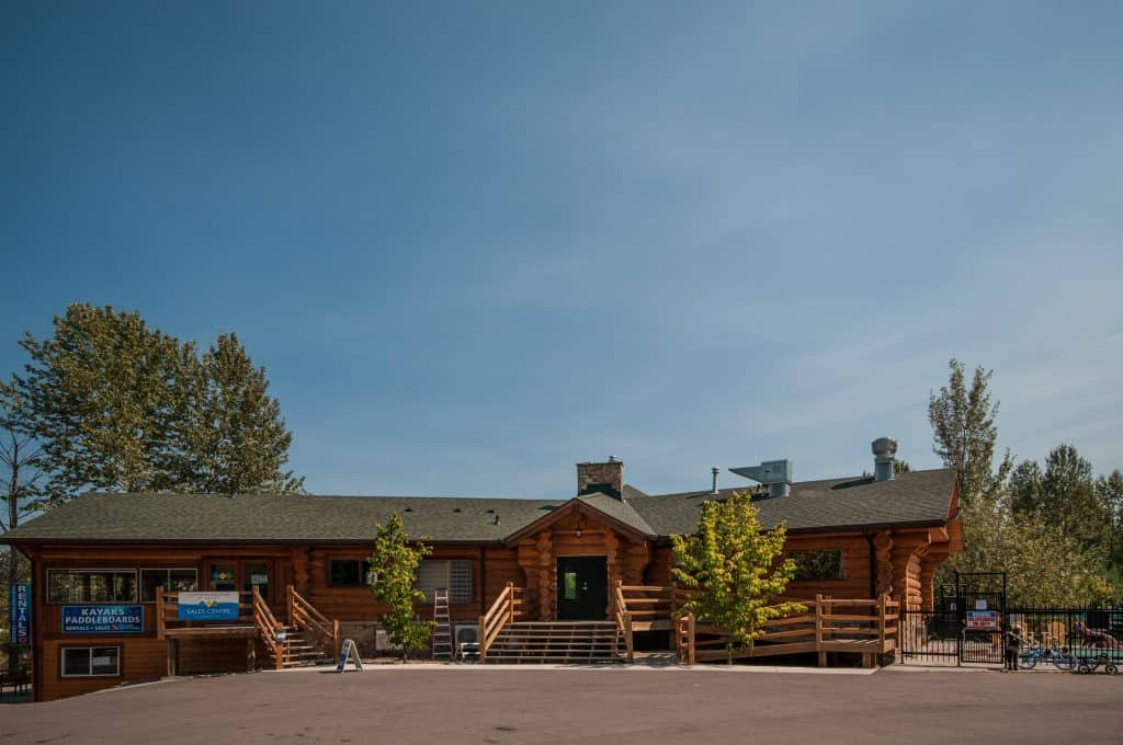 Cottonwood Cove Resort - Amenities Clubhouse Exterior C