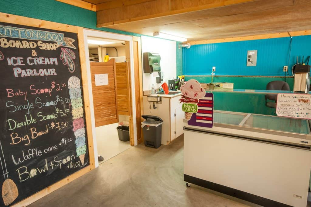 Cottonwood Cove Resort - Amenities Ice Cream Shop