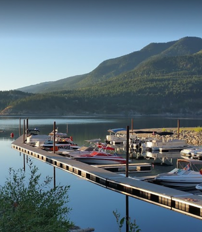 Cottonwood Cove Resort - Shuswap RV Resort Marina